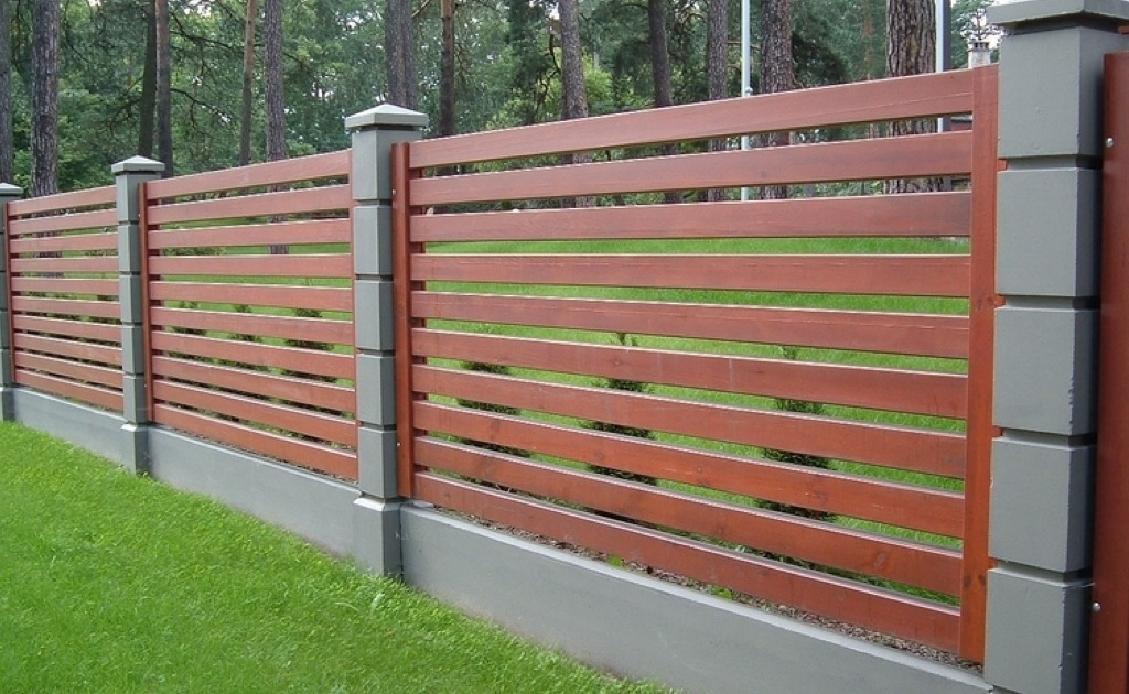 забор деревянный фото в загородный дом